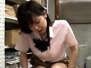 Japanese Girl Rubbng A Guys..