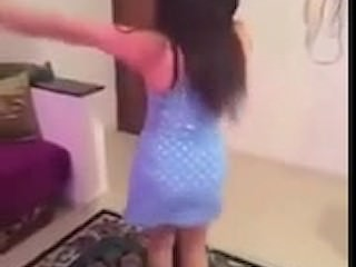 Starkers Egyptian dance in..