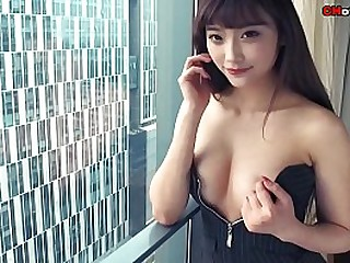 Chinese Hottie: famous cut..