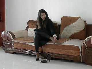 Chinese girl sprains foot..