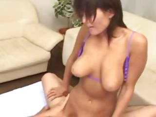 Asian slut loves getting her..
